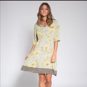 Orli Golan v neckline floral short sleeve dress